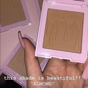 BNIB Kylie Cosmetics Bronzer Almond